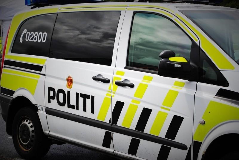 Jak tłumaczą organy ścigania, surowe kary za naruszenie restrykcji są jedynym sposobem, by chronić życie i zdrowie mieszkańców kraju fiordów.