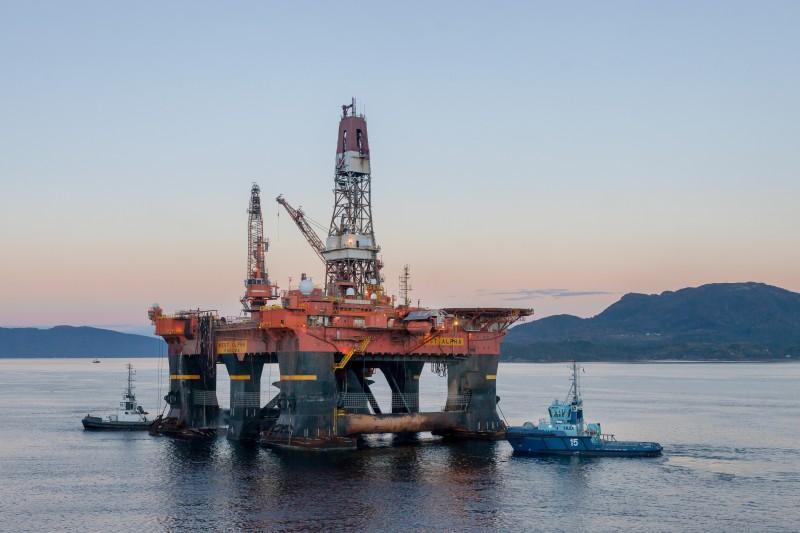 Najgorsza sytuacja towarzyszyła Norwegom w kwietniu, kiedy cena minimalna baryłki ropy brent wynosiła 15,99 USD.