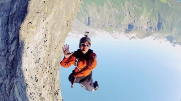 Freefly BASE jump in Norway - Red Bull Soul Flyers