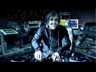 David Guetta Feat. Rihanna - Who's That Chick? - Night version (Official Video)