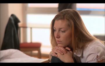 """Płacz pod sercem [lektor]""""Płacz pod sercem"""" to krótsza wersja pełnometrażowego filmu """"Blood money"""" (Krwawy biznes). Wstrząsające"""