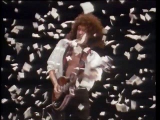 Queen - The Show Must Go On (Official Video)