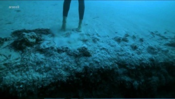 ||| Eyekonn.com - Jump To Unique Underwater Cave |||