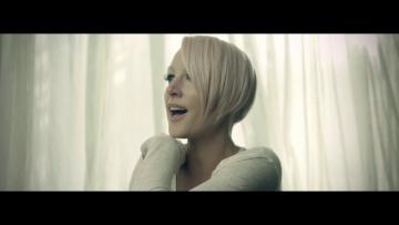 Emma Hewitt - Colours (Official Music Video)